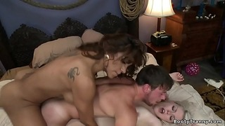 Transsexual Jessy Dubai Fucks Couple